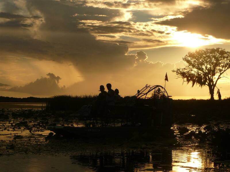 airboat dinner tour